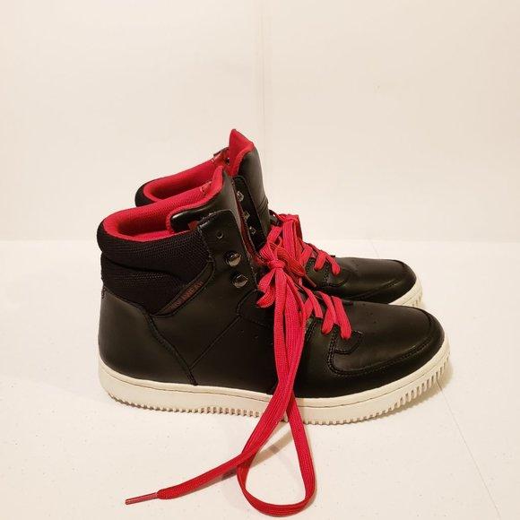 rocawear high top sneakers